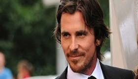 Christian Bale nosso eterno Batman pelado no cinema