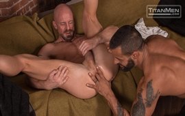 Silverlake – Mitch Vaughn rides David Benjamin's hairy muscle ass