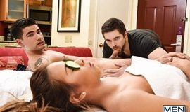 Couples Massage – Vadim Black & Griffin Barrows