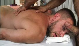 IconMale: Jaxton Wheeler fucks Hans Berlin in Gay Massage House