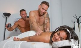 RealityDudes - Dudes In Pubilc 17: Risky Massage - Manuel Skye and Kit Cohen