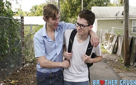BrotherCrush – Smell My Nuts – Darron Bluu & Alex