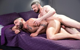 Hot, Raw and Ready! – Sharok & Marco Napoli