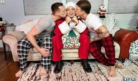 JJ Knight, Pierce Paris & Michael Del Ray - Jingle Balls Cock