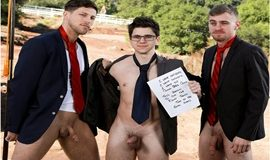 Roman Todd, Ryan Jordan and Will Braun's hot bareback threeway in Quid Bro Quo