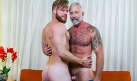 My Hot Roommate – Brian Bonds, Lance Charger