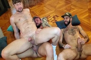 Romeo Davis XL, Drew Dixon e Sir Peeter - Hole Stretching 3Way in Madrid part 1